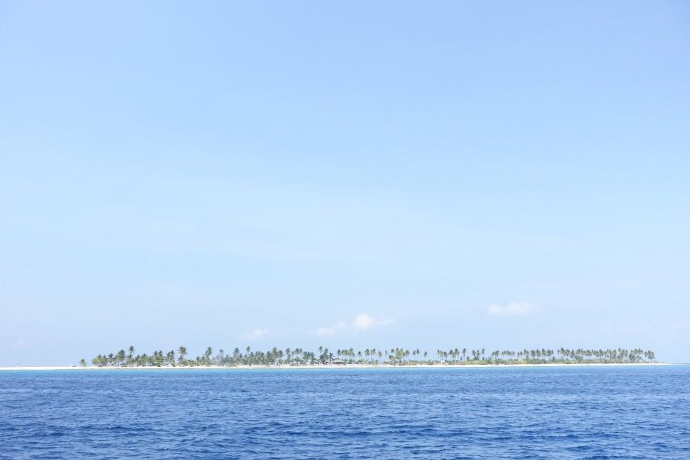 船から見たカランガマン島