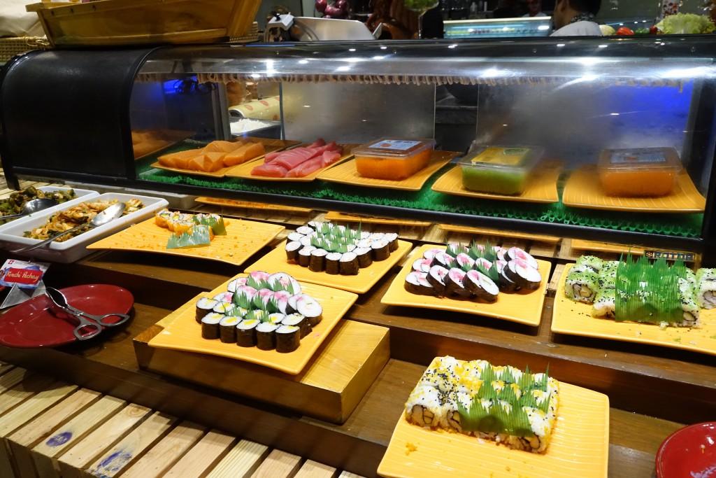 お寿司もある!!