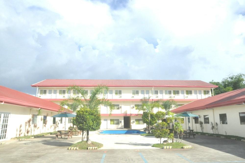 セブ市内の日系学校で唯一プール付きのリゾート型キャンパスを持つ