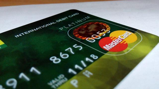 international-debit-card-388996_640 (1)